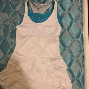 Tennis Nike top and skirt. Like new.